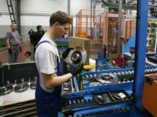 Контроллер на автомобильный завод