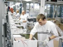 Рабочий на завод  кухонних плит   Gorenje